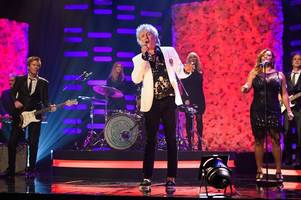 celtic mad rod stewart bags uk no1 album for the ninth time with blood red roses