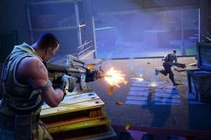 new police warning for fortnite issued as fraudsters target gamers online