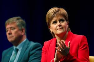 nicola sturgeon 'very foolish' to back second brexit vote says former snp deputy leader