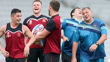 shaun wane: how does wigan head coach juggle being 'mate' and boss?