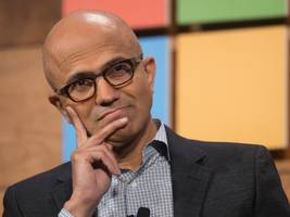 microsoft will let anyone use 60,000 of its key software patents as it moves to play more nicely with open source developers (msft)