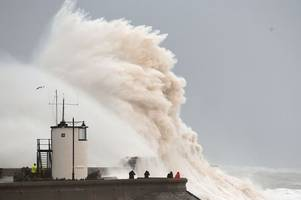 storm callum to see heavy rain combine with high tides causing flooding and travel chaos
