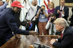 Kanye West revealed his iPhone lock code while in the Oval Office, and it's 000000 (AAPL)