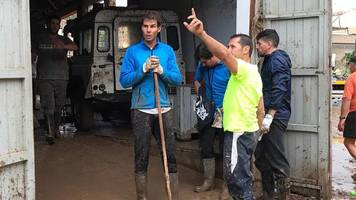 rafael nadal joins majorca clean-up effort