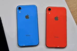 Apple will sell a clear case for the iPhone XR