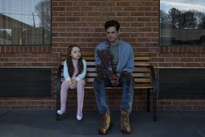 netflix's haunting of hill house is like this is us wrapped in a gothic ghost story