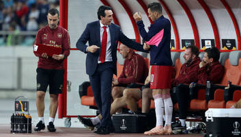 arsenal give fitness updates on several first team stars ahead of game against leicester