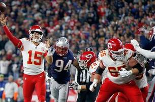 After shaky first half, Mahomes returns to his magical ways in loss at New England