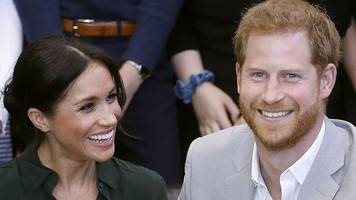 Harry and Meghan arrive in Australia on first official tour