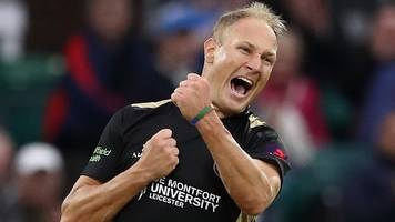 Dieter Klein: Leicestershire bowler agrees new deal for 2019