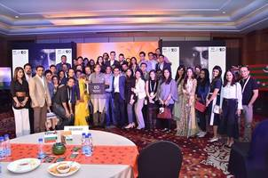 """dr. shashi tharoor opens up to eo gurgaon about """"an era of darkness"""""""
