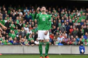 rangers striker kyle lafferty told to 'wise up and stop being stupid' over northern ireland career