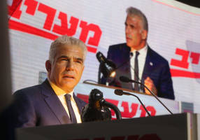 lapid: netanyahu is destroying democracy