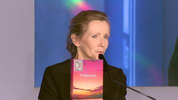 anna burns wins man booker prize for milkman