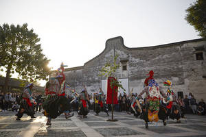 Wuzhen Theatre Festival to Unveil New Experiences in Performance Art at Outdoor Carnival