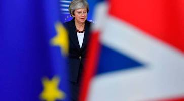 Brexit summit latest: Theresa May insists deal remains achievable