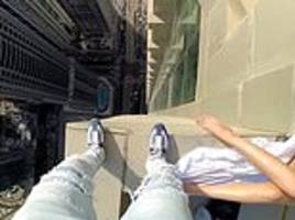 daredevil scales 77-storey skyscraper in dubai without any safety gear