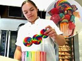 meet the 15-year-old who is making $1,000 a month from her cake business - and they cost up to $150!