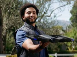 Apple stores are now selling a $2,000 'self-flying' drone you can control from an Apple Watch (AAPL)