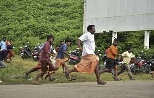 mobs attack crowds near sabarimala after hindu temple opens entry for all women