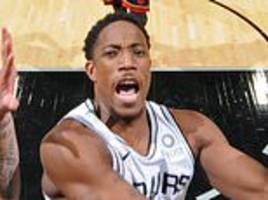derozan helps san antonio spurs to win on debut while knicks set franchise record