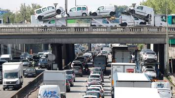 France proposes congestion charges in big cities to tackle pollution