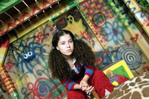 tracy beaker is back for more adventures - but now she's a single mum