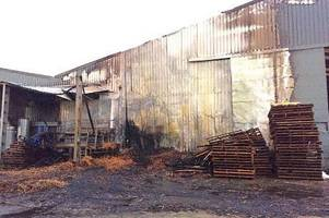 wadebridge firefighters called to barn fire at same time as battling industrial estate blaze