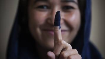Afghanistan elections: Running an election in a war-torn country