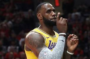 'I did not like the way LeBron closed the game': Skip Bayless on the Lakers season opener