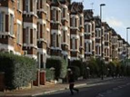 homeowners living 60 minutes outside of city pay on average £483,342  less