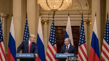 us moves to leave nuclear weapons treaty with russia