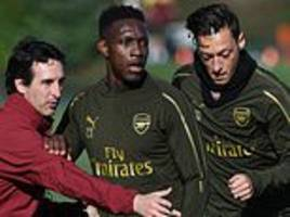 mesut ozil trains with arsenal squad ahead of injury return in leicester clash