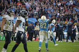 RECAP: Chargers withstand Titans' late rally, hold on for 20-19 win in London