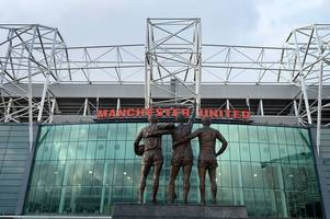 glazers have no plans to sell manchester united stake despite saudi interest