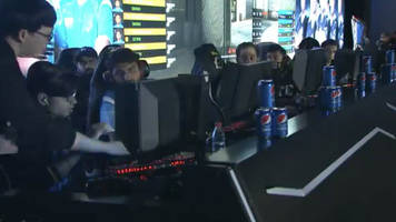 watch a counter-strike pro get caught cheating during a major esports tournament