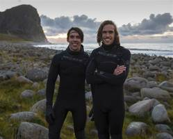 Florida brothers brave Arctic for world's northernmost surf contest