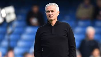 manchester united looking to prevent club ambassadors from publicly criticising jose mourinho