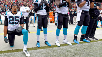 which nfl players protested racial injustice during the national anthem in week 7?