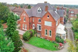Investment or family home - this massive property just 25 miles from Nottingham gives you both