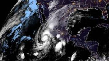 Hurricane Willa: Mexico issues warning over 'extremely dangerous' storm