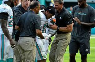 Potential season-ending hip injury to Albert Wilson as Dolphins looking for solutions at WR