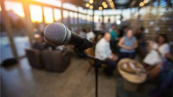 Mental health issues in comedians linked to their work
