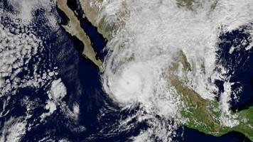 willa rapidly weakens after making landfall on mexico