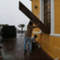 hurricane willa crashes onto mexico's mainland with 195 km/h winds