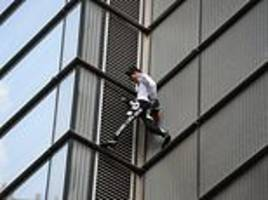 skyscraper climber dubbed the french spiderman tackles heron tower