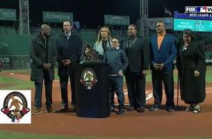 molina wins roberto clemente award for his work in puerto rico after hurricane maria