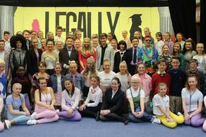 dalziel high school's legally blonde production was a huge hit