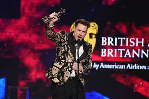 jim carrey gets fiery and political at britannia awards: 'how dare they!'
