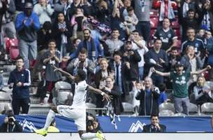 teen star alphonso davies dazzles in whitecaps' finale
